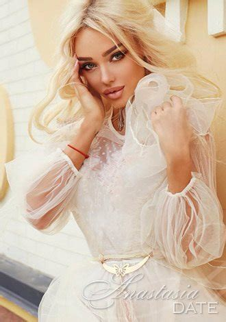 Lady from Ukraine: Alvina from Kiev, 30 yo, hair color Blond